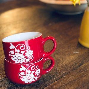 Super cute red mugs!